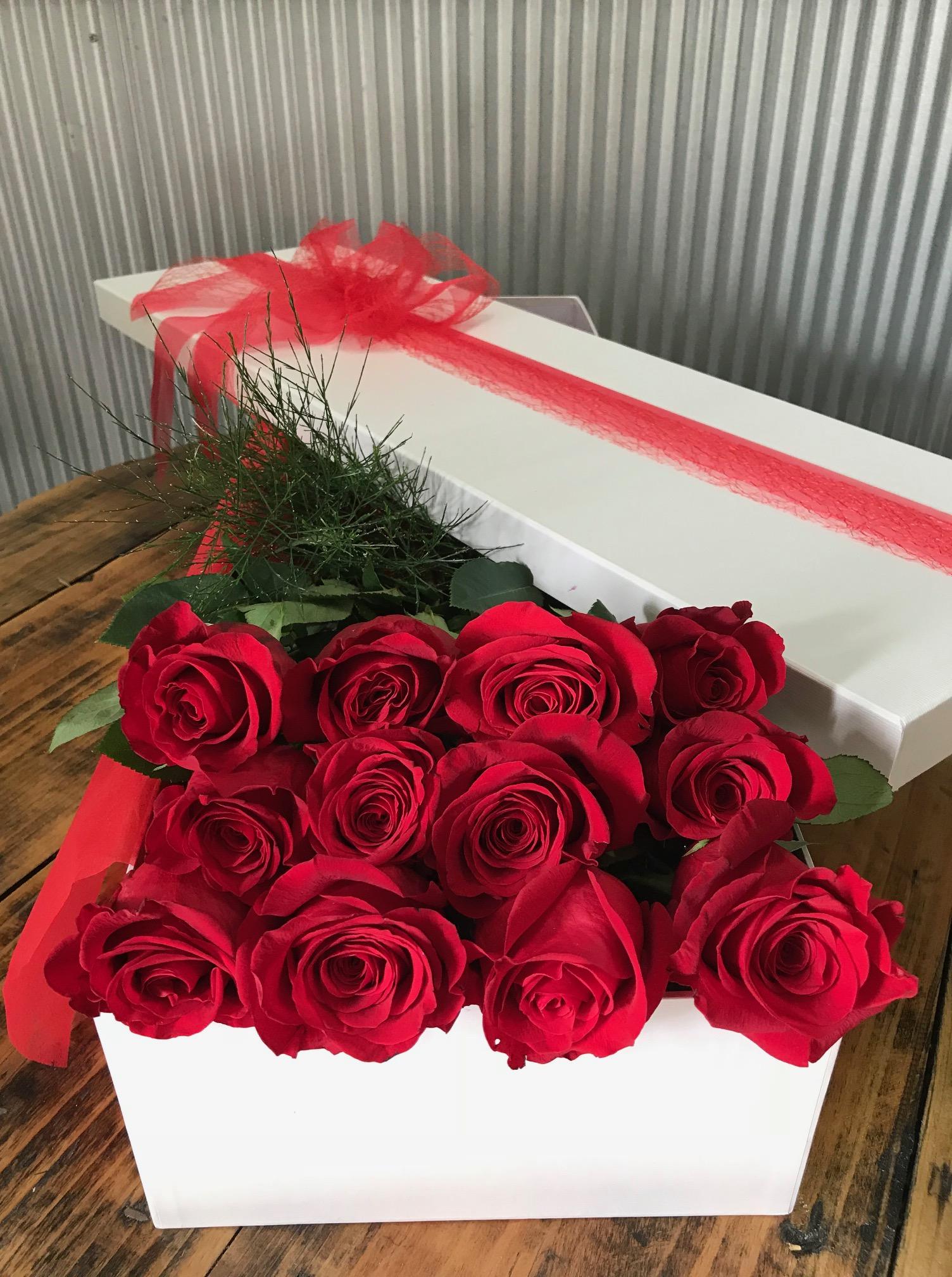 12 Roses Flat box